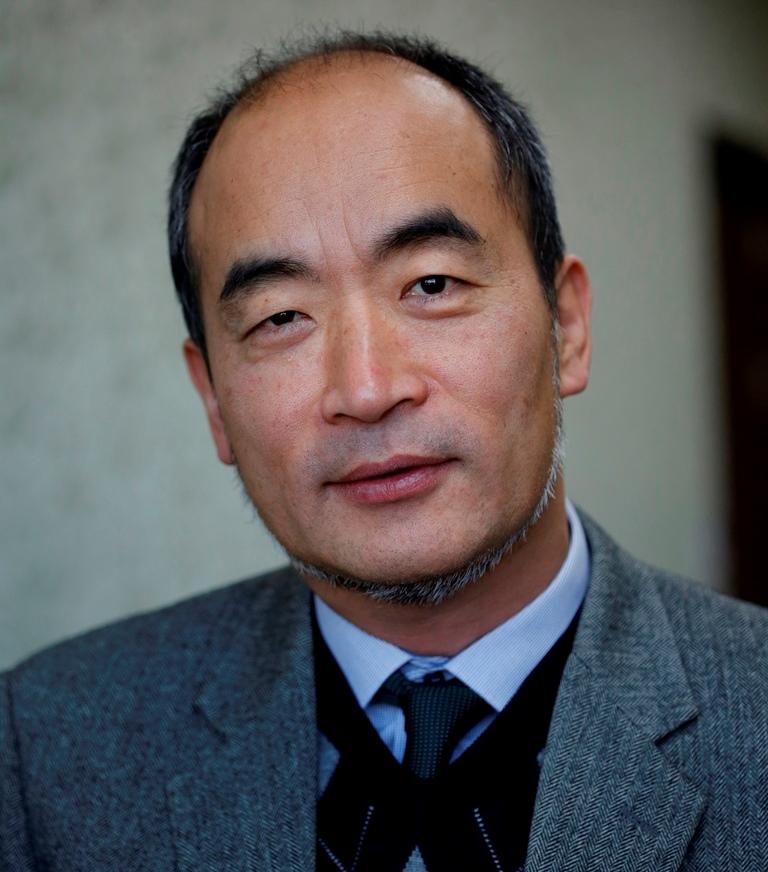 Yoon-Ho Cho